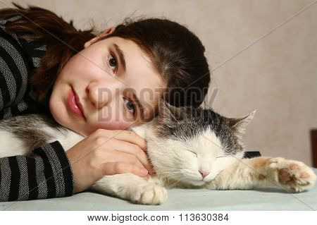 Teen Beautiful Girl Hug Cat