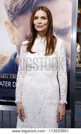 Saffron Burrows at the Los Angeles premiere of