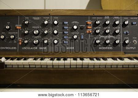Vintage Instrument Mixer