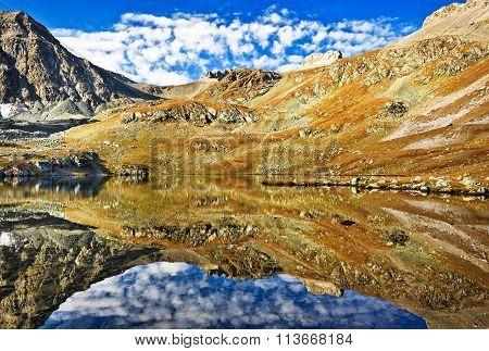 Lake Like The Mirror