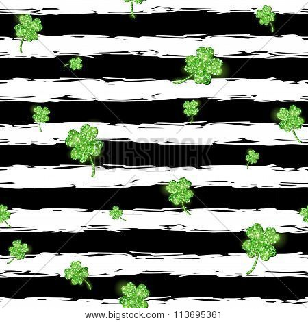 Green glittering clover leaves Pattern