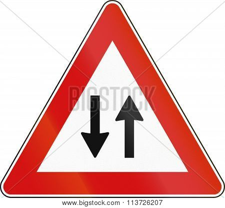 Road Sign Used In Italy - Two-way Traffic