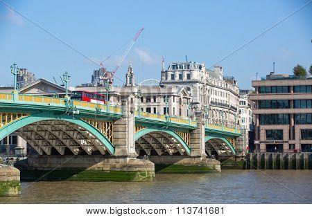 City of London Waterloo bridge