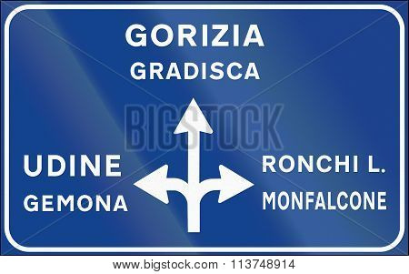 Road Sign Used In Italy - Sign Post Notice Of Non-urban Intersection