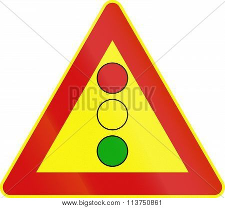 Road Sign Used In Italy - Vertical Signal Lights Ahead - Temporary