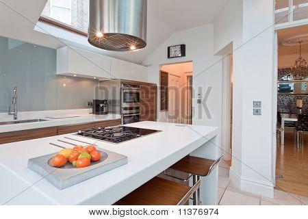 Modern Chic Fitted Kitchen