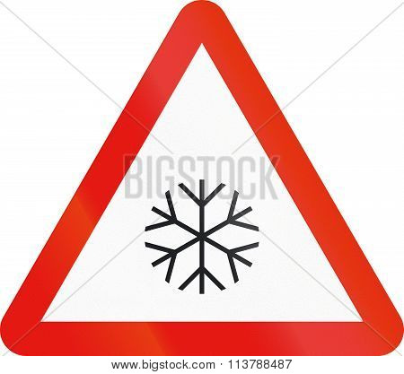 Road Sign Used In Spain - Pavement Slippery With Ice Or Snow