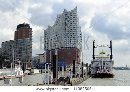 Ship Mississippi Queen, Elbe Philharmonic Building And The Hanse