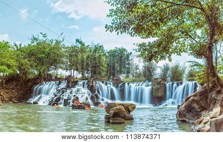 Giang Dien Waterfall old trees