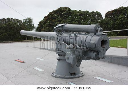 Gun, Auckland War Memorial