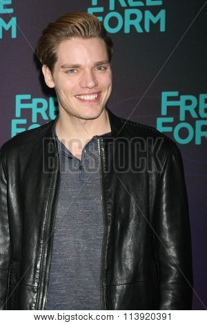 LOS ANGELES - JAN 9:  Dominic Sherwood at the Disney ABC TV 2016 TCA Party at the The Langham Huntington Hotel on January 9, 2016 in Pasadena, CA