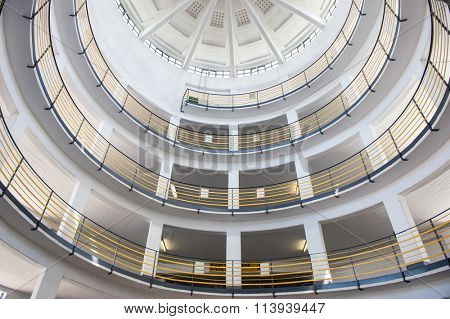 Round garage circle interior