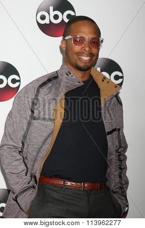 LOS ANGELES - JAN 9:  Cornelius Smith Jr at the Disney ABC TV 2016 TCA Party at the The Langham Huntington Hotel on January 9, 2016 in Pasadena, CA