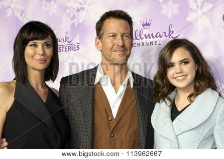 LOS ANGELES - JAN 8:  Catherine Bell, James Denton, Bailee Madison at the Hallmark Winter 2016 TCA Party at the Tournament House on January 8, 2016 in Pasadena, CA