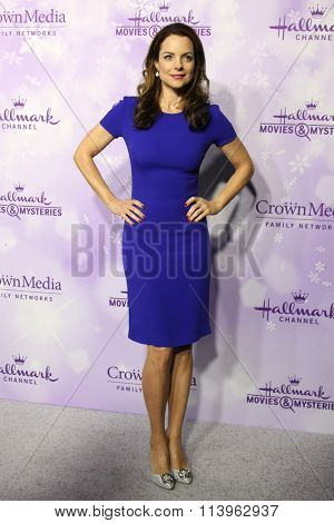 LOS ANGELES - JAN 8:  Kimberly Williams-Paisley at the Hallmark Winter 2016 TCA Party at the Tournament House on January 8, 2016 in Pasadena, CA