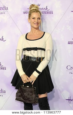 LOS ANGELES - JAN 8:  Nicollette Sheridan at the Hallmark Winter 2016 TCA Party at the Tournament House on January 8, 2016 in Pasadena, CA