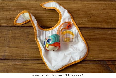 Baby Pacifier With Owl Container And Feeding Bib