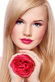 Постер, плакат: Блондинка с Роуз