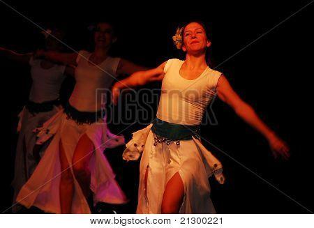 Grupo de dança do xamã