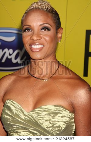 LOS ANGELES - JUN 25:  MC Lyte arriving at the 5th Annual Pre-BET Dinner at Book Bindery on June 25, 2004 in Beverly Hills, CA