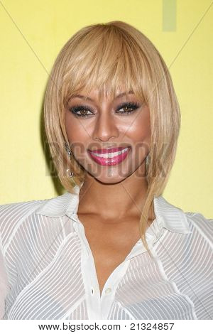 LOS ANGELES - JUN 25:  Keri Hilson arriving at the 5th Annual Pre-BET Dinner at Book Bindery on June 25, 2004 in Beverly Hills, CA