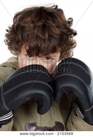 Boy mit Boxhandschuhen