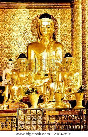 buddha image in shwedagon pagoda