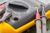 picture of  multimeter  - Close - JPG