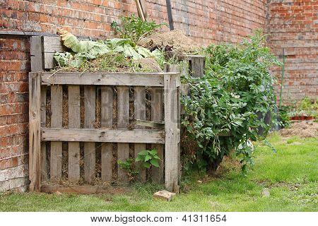 Organic compost heap