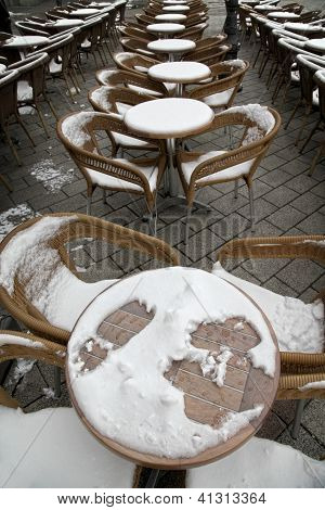 Caffee Garden On Snow