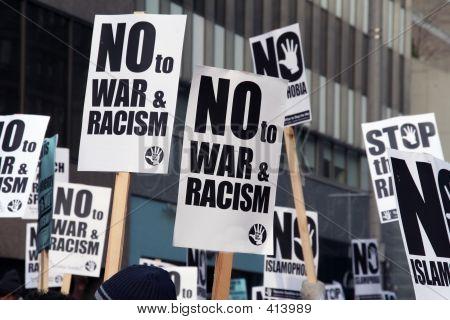 Muslimische Protest und Demonstranten mit Picket Signs 3