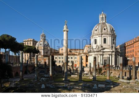 Trajan's Column And Foro Di Traiano