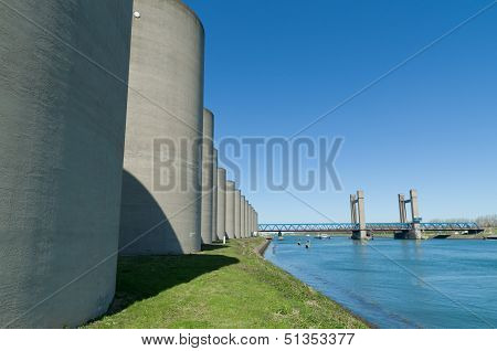 Concrete Windbreak