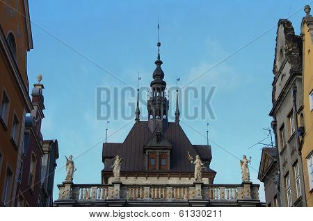 roof of the building of court