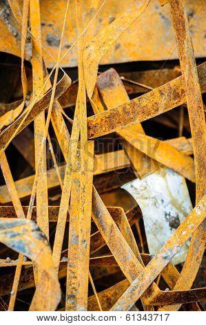 heap of random rusty grungy metal-scrap