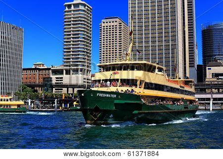 Manly Ferry leaving Circular Quay, Sydney