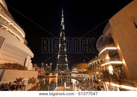 Burj Khalifa Night Shot From Dubai Mall