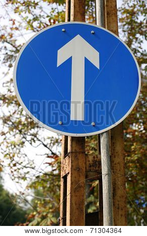 One direction traffic sign