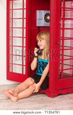 girl calling in red a phone