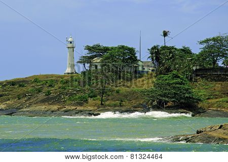 house, cottage, building, hacienda; navigation; sign; rock; Beach; river; vandalism; stone; Brazil;