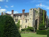 foto of hever  - This is a picture of Hever castle - JPG