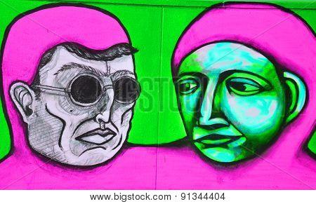 Street art aliens