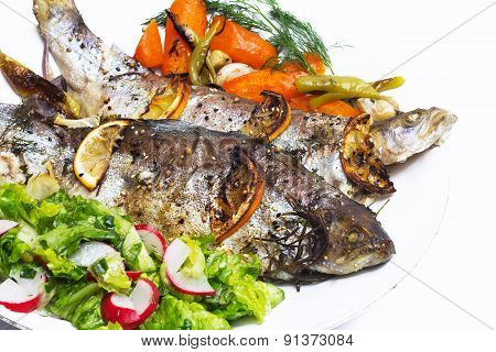 Oven-baked trout with lemon