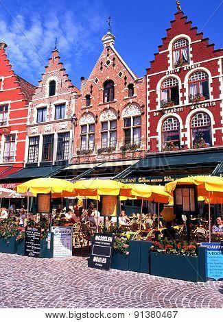 Pavement cafes, Bruges.