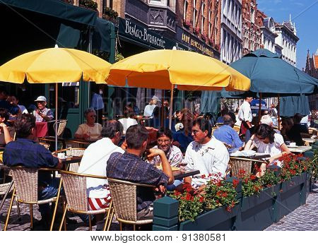 Pavement cafe, Bruges.