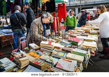 Flea market in the historic Marche d' Aligre in Paris