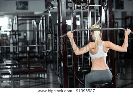 sports girl in a gym