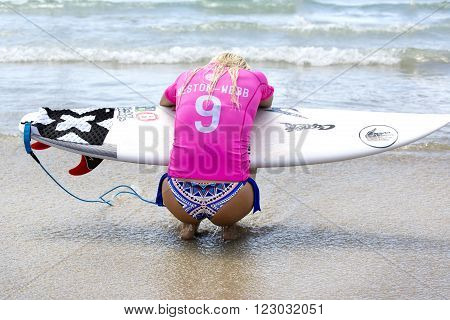 GOLD COAST, AUSTRALIA - MARCH 12 2016: Tatiana Weston-Webb (HAW) competing in the Roxy Pro at Snapper Rocks Coolangatta