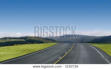 Carretera de cielo azul