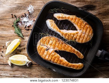 grilled salmon steak on grill pan